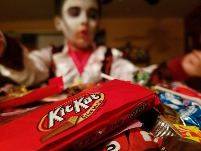 Halloween HALLOWEEN CANDY Vampire Kids Costume Kitkat Product Placement Focus On Foreground One Person Candy Halloween Bash Chocolate Child