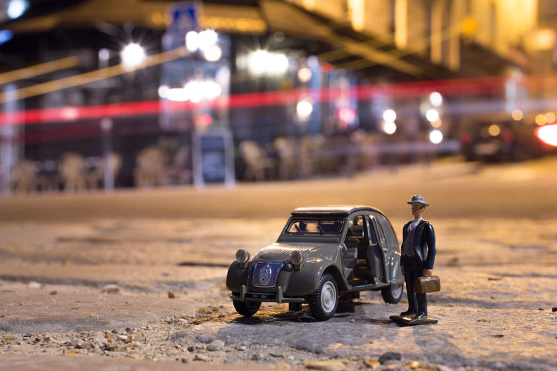 Il Se Fait Tard C'est L'heure De Rentrer ParisByNight Light Night 2cv Citroen2CV Transportation Land Vehicle Illuminated Focus On Foreground Outdoors Toy Car Hobbies City Life No People