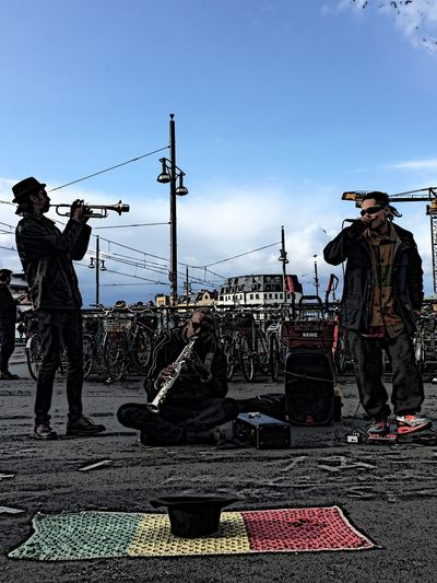 Hello World People Watching Musicians Music Cartoonized Cartoon Pic Splash Streetphotography Electronic Music 🎧🎤🎸🎷🎺