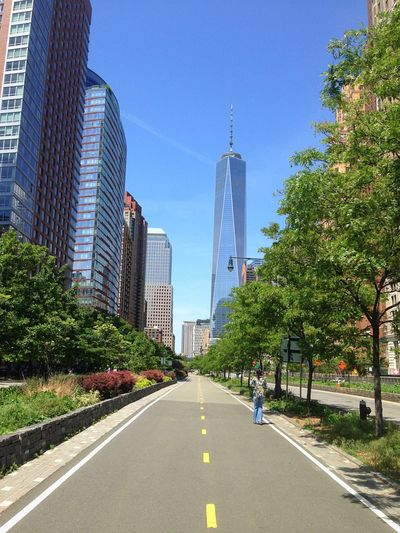 Bike Path Toward Freedom Tower The Architect - 2015 EyeEm Awards Cityscapes I Heart New York Learn & Shoot: Leading Lines