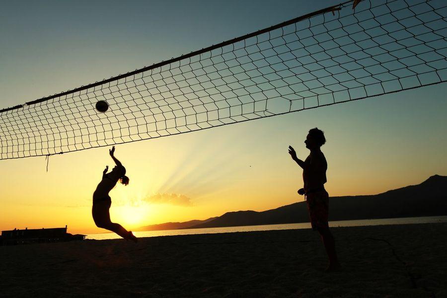 Beach volley time at sunset ! Enjoying Life Life Is A Beach Sunset Beach Volleyball Holiday Enjoying The Sun Having Fun Summer Creative Light And Shadow
