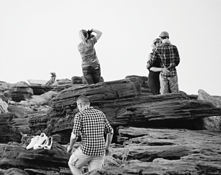 Outdoors People Day Photoshoot Photographer Couple Couple Photography Black And White Photography Black & White Embracing Love Couples In Love Beach