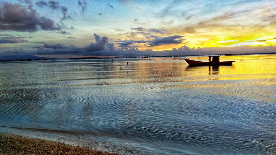 INDONESIA Indonesian Java Bantenindonesia Beach Beauty In Nature Destination Horizon Over Water Indonesia Photography  Jakarta Indonesia Nature Outdoors Reflection Sea Sunset Water Waterfront