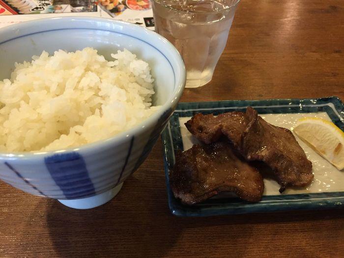 ご飯と牛タン