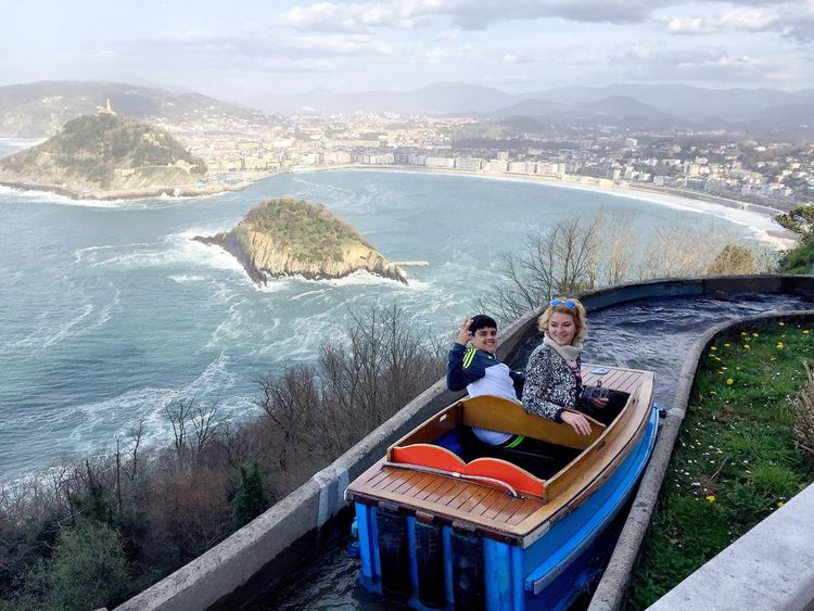 Urban Spring Fever San Sebastian Here Belongs To Me Landscape Landscape_photography Urban Landscape Two People Mummy Mum And Son Son Family Lifestyles Boat Blue Sky Happiness Happy Happy People Urban Geometry Sea Sea And Sky Beach Concha  Smile Active Lifestyle  Holiday