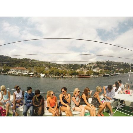 Aku confuse..pemandangan di belakang atau di depan aku yg menarik. Bhosporus Istanbul YSBH