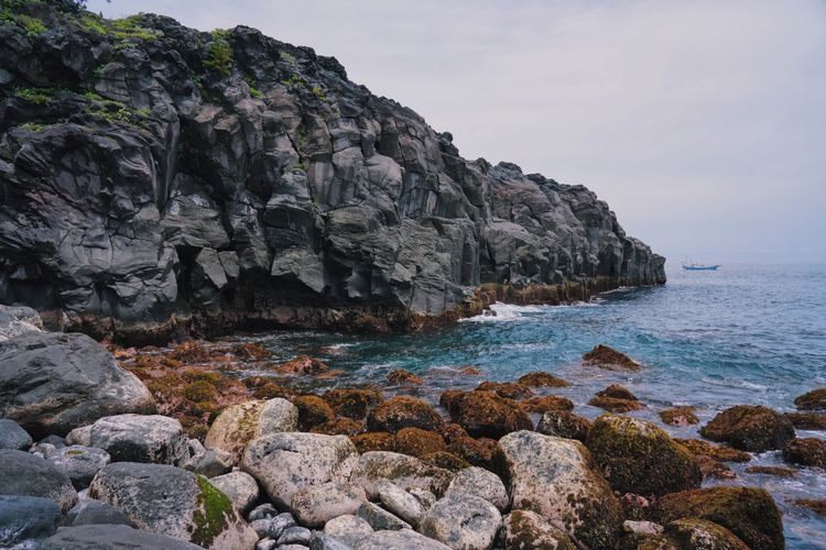 Processed with VSCO with l6 preset Rock Water Rock - Object Sea Solid Beauty In Nature Sky Rock Formation Scenics - Nature Nature No People Beach Land Day Tranquility Tranquil Scene Idyllic Non-urban Scene Outdoors Rocky Coastline Eroded Formation