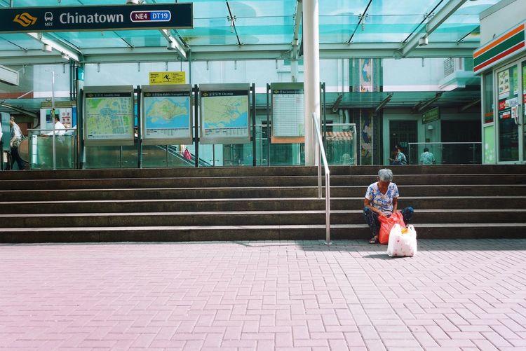 Streetphotography Street Photography Elderly Singapore Chinatown Singapore Kreta Ayer