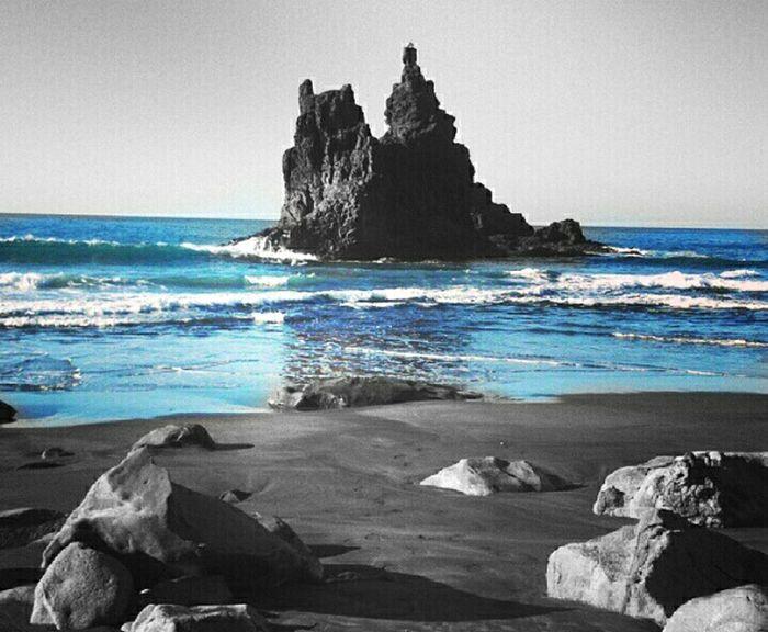 Perdón por olvidar que una vez me acariciaste la piel y perdí mi vida en ello Sombras Streetphotography EyeEmBestPics Eye4photography  PlaceresDeLaVida Black And White Streetphoto_bw Blackandwhite Photography Igblacknwhite Loveblackandwhite Blacknwhite IloveBlackAndWhite Naturelovers Naturaleza Santa Cruz De Tenerife Quesuerteviviraqui Clouds And Sky Colorful