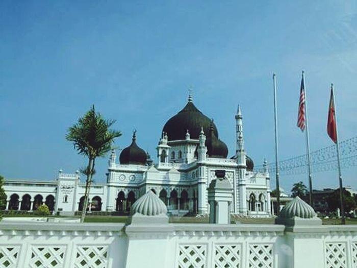 Leonne Mosque