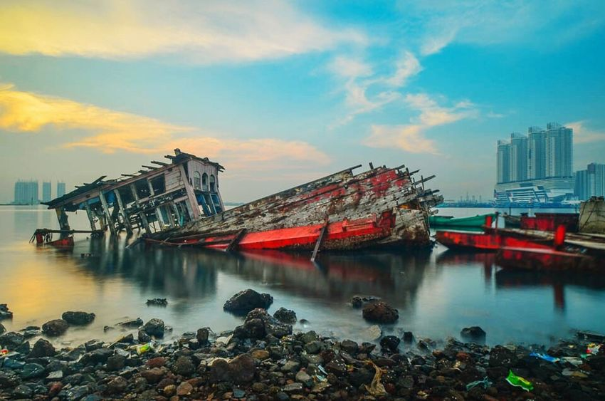 Cloud - Sky Nikon_photography_ Eyeem Gallery. Golden Moments  Indonesia_photography Sunrisephotography EyeEm Best Shots - Landscape EyeEm Best Shots Nikonindonesia Morning Nikon D5100  Sunrise And Sunsets Indonesia Banget Landscape_lovers Photographer Landscape_Collection Jakartaphotography Sunrise And Clouds Sunrise Photography Boats And Moorings Muaraangke Porthbeach Sunrise_sunsets_aroundworld Travel Destinations Landscape