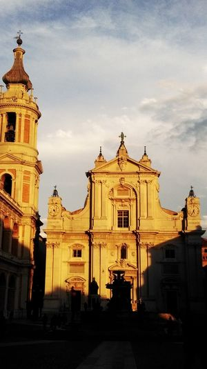 Nofilter My Point Of View Basilica Basilic Loreto Loreto Marche Built Structure Light And Shadow Sculpture Beautiful Religion Silhouette Building Exterior Sunset Scenics Tranquility Relaxing Moments