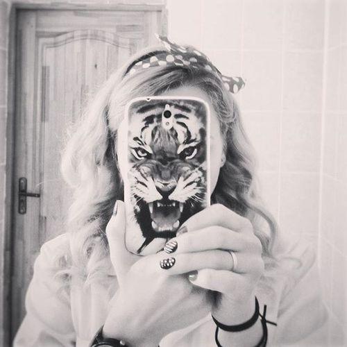 На работе весело...))))🐯🐯🐯 беларусь Природа наработе тигр селфи весна веснавскружилаголову Belarus Nature Spring Selfie Girl