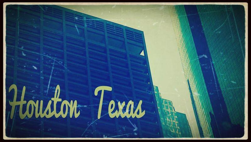Downtown Houston Check This Out Enjoying Life Taking Photos DeRp Dà DErpIn Classy Mess Roy G Biv Downtown H-town Ellis:D Sunrise Houston My Mountains. Edit'd Houston Texas Perception. Shoot Me Up