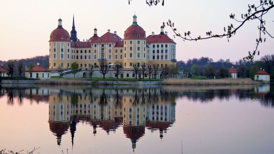 Schloss Mobu Building Exterior Built Structure Reflection Architecture Water Building Waterfront Sky Nature No People Lake Tree Travel Destinations Outdoors History Plant Travel The Past