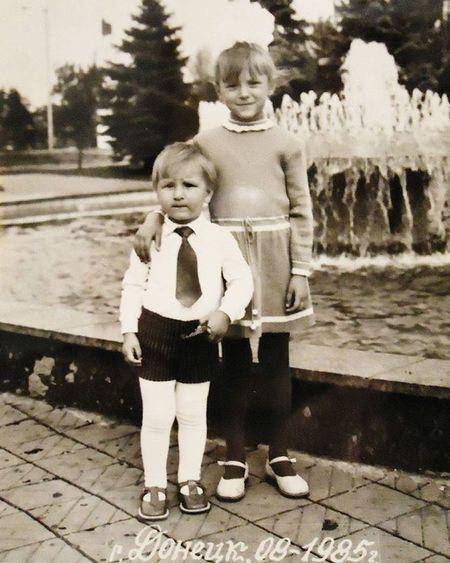1985 яисестренка