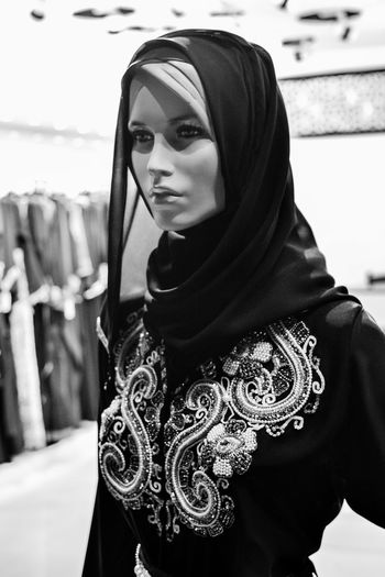Blackandwhite Arabic Mannequin Hiyab Quiet Model Fashion Clothes Shopping Shopping Mall Fashion Photography Monochrome Photography