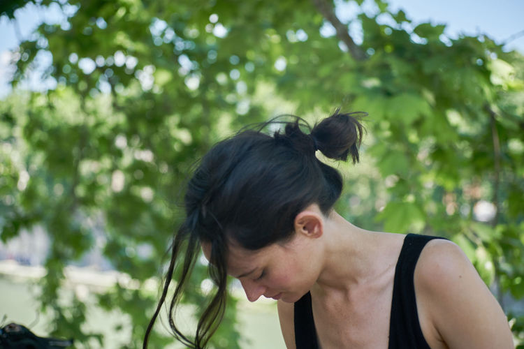 Day Focus On Foreground Hair Bun Ilenia Cipollari Ileniachipollari Nature One Person Outdoors People Real People River Rome Tevere Tree Young Adult Young Women The Portraitist - 2017 EyeEm Awards