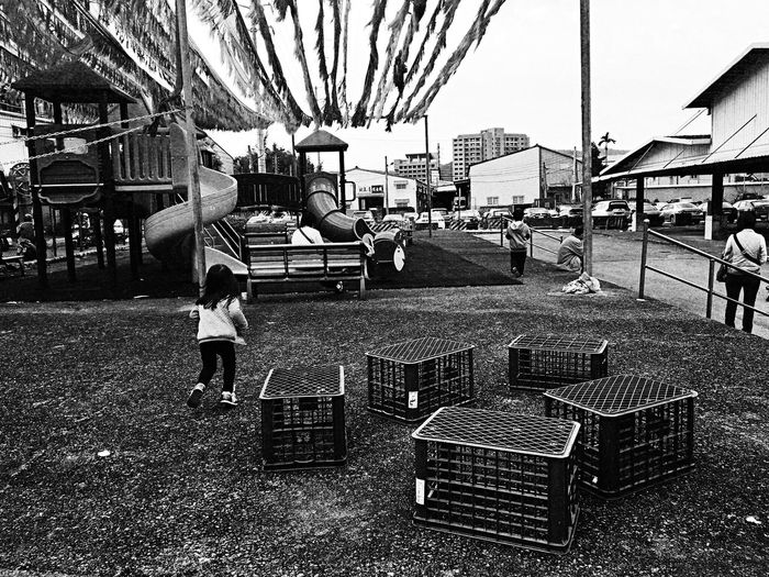 Playground。 EyeEm Gallery EyeEm Best Shots - Black + White TOWNSCAPE Taking Photos The Tourist Image Enjoying Life Lifestyle Photography Street Photography Street People Photography People Playground Play