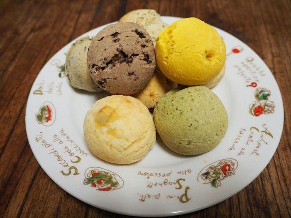 ポンデケージョ Pão De Queijo Food Porn Yummy In My Mouf Sweets Brazilian Food Odawara Castle / Japan Olympus Om-d E-m10 ブラジル生まれのパンみたいなもの?ここの店は専門店で有名みたい 。中はモチモチだった! Odawara