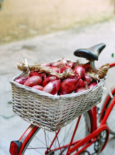 Tropea onions Cipolla Rossa Lunga Di Tropea Filmphotography EyeEm Calabria Italy Onion Basket Container Healthy Eating Food And Drink Food Fruit Freshness Wellbeing High Angle View Red No People Organic
