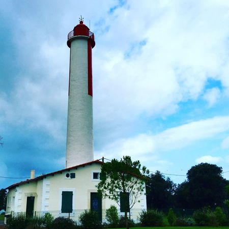 Sud Ouest Ouest France Phare Blanc Rouge House Seahouses