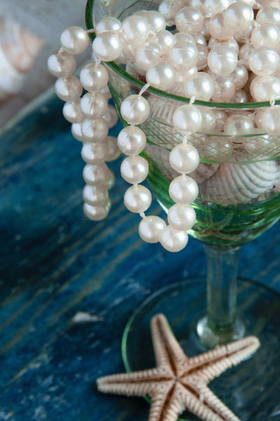 Abbundance, Copy Space Fashion Old Fashioned Old-fashioned Pirate Retro Rich Treasure Vintage Style Expensive Jewelry Pearls Sea Life Shells Still Life