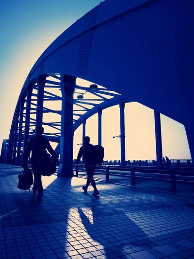 Streetphotography Bridge Blue Silhouette AMPt - My Perspective