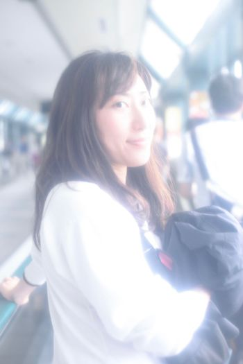 """""""雨もあがったし、"""" """"It ceases raining. So..."""" Rainy Days Getting Inspired Dreaming Mist Color Japan Snapshots Of Life Japanese Culture Walk Beauty Girl Ebisu"""