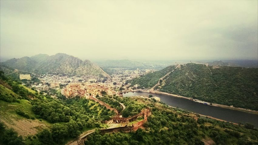 Clicking amer fort from top of jaigarh fort