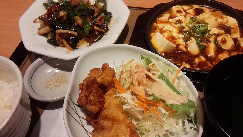 青椒肉絲定食なう。このタレと肉とぴーまんの食感が絶妙!侮れないな!やよい軒(^0^;) Dinner