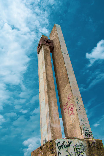 The Past Memorial Architectural Column Blue History Sky Cloud - Sky Civilization Sculpture Ancient Amphitheater Old Ruin Idol Ancient Civilization Archaeology Statue Sculpted Carving - Craft Product