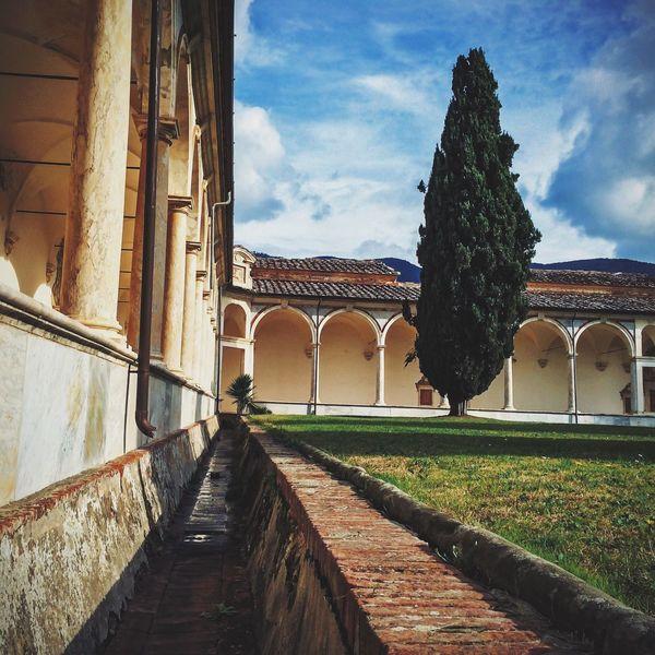 Calci Charterhouse Travel Photography NEM Submissions AMPt - Vanishing Point NEM Architecture