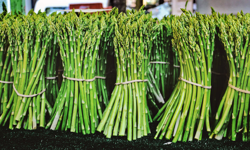 Spargelzeit Asparagus Season Asperagus Bunch Business Day Focus On Foreground Food Food And Drink For Sale Freshness Green Color Healthy Eating Large Group Of Objects Market Market Stall Nature No People Outdoors Raw Food Retail  Vegetable Wellbeing