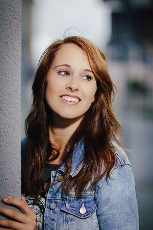 Shooting Beauty City View Face Lady Smile Portrait Porty Portrait Of A Woman