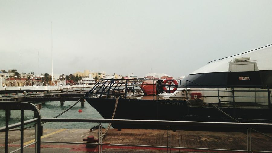 Ferri Cozumel Nublado Mar