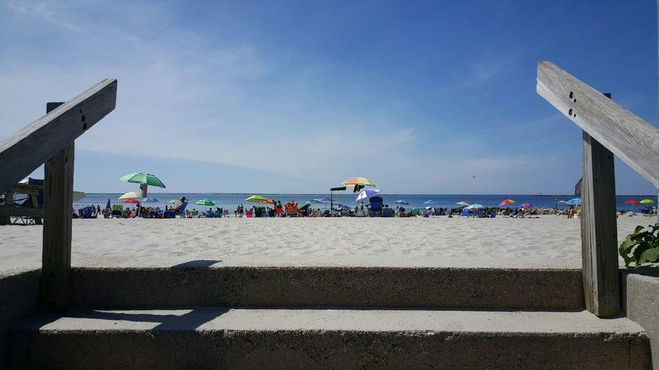 Let beach day begin. Beach Photography Blue Sky Sand & Sea Parasols Beach Goers EyeEm Gallery Eyeemphotography EyeEm Rhode Island Photography⚓ S6
