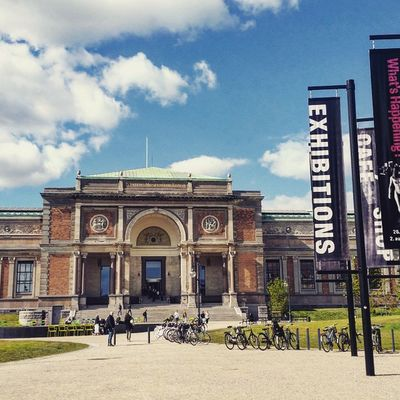 The National Gallery of Denmark (Statens Museum for Kunst) is Denmark's largest art museum, featuring outstanding collections of Danish and international art from the past seven centuries. Smk Köbenhavn Nyhavnport Copenhagen Nyhavn Cb_travellogs @visitcopenhagen