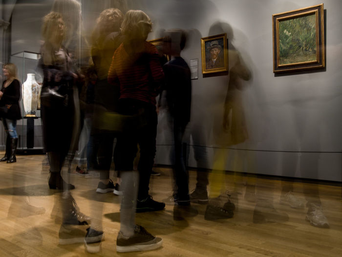 Group Of People Blurred Motion Motion Full Length Indoors  Men Lifestyles Real People Flooring People Adult Women Architecture Walking Rear View Group Medium Group Of People Leisure Activity Togetherness Crowd Van Gogh My Best Photo
