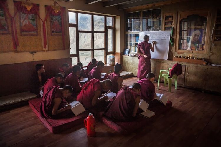 Enlightenment View Red Colors Frames Teacher's Day Teaching Student Studying Monks India Spiti Valley India KeyMonastery Budha