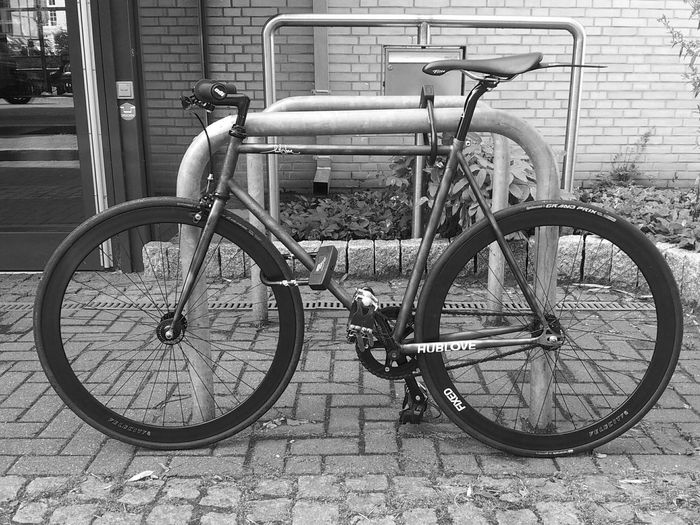 long time no see. I saw an awesome Bike. Bikeporn St. Pauli Hanging Out
