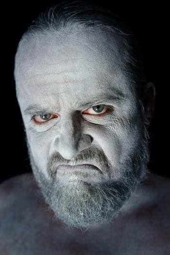 Augen Ausdruck BART Emotions Eyes Face Gesicht Mann Mimik Portrait Skepticism Sympathy Verachtung