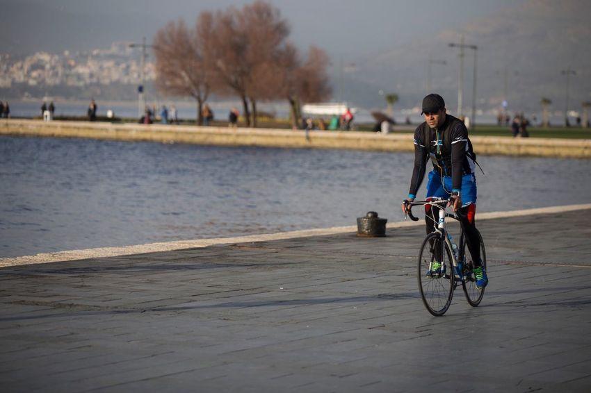 Streetphotography Street Photography Streetphoto_bw Street Sport Bycicle Izmir Izmirlife Izmirdeyasam Izmirim Ege Turkey Türkiye Canon Canonphotography Canon6d Canon6D Photography