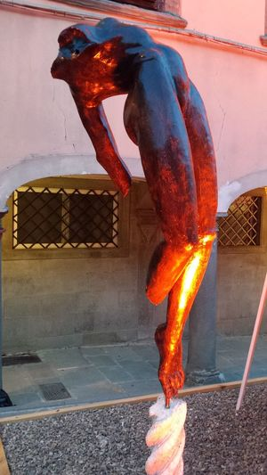 Iron Iron Work Italy Sculpting A Perfect Body Sculpure Statue Stia Town