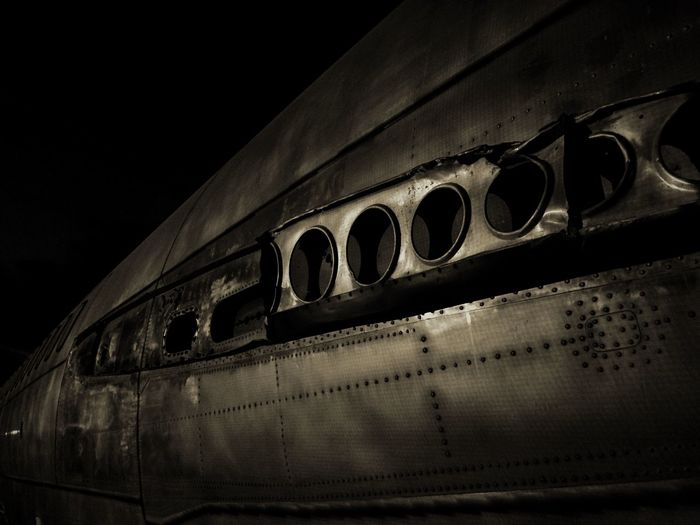 Metal Structure Light And Shadow FlyOld AirplaneJetjFestesdelamercerNight LightshAirplaneaBarcelonaona