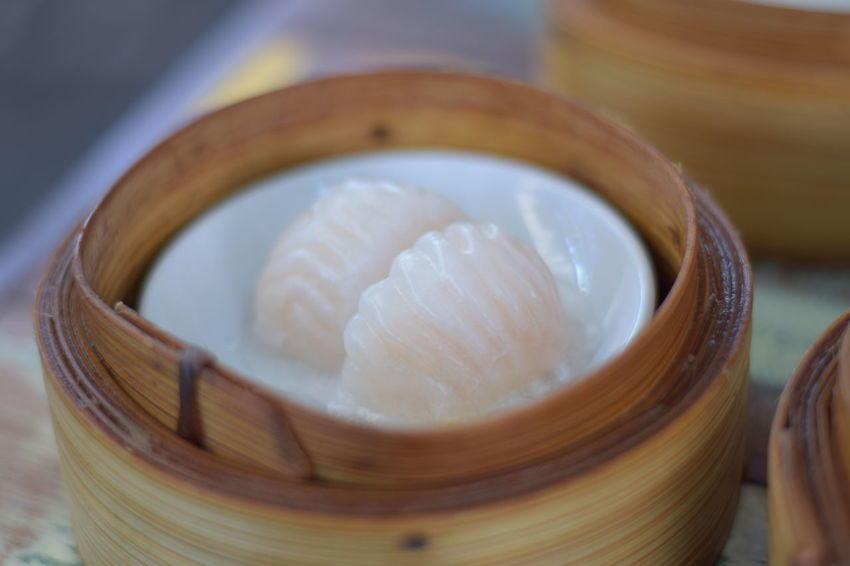 Chinese food , dimsum , hot , Dim Sum Bamboo Steamer Basket Dim Sum Food And Drink Chinese Food Chinese Dumpling Dumpling  Scented Indoors  No People Ready-to-eat Food Steamed  Steam Close-up