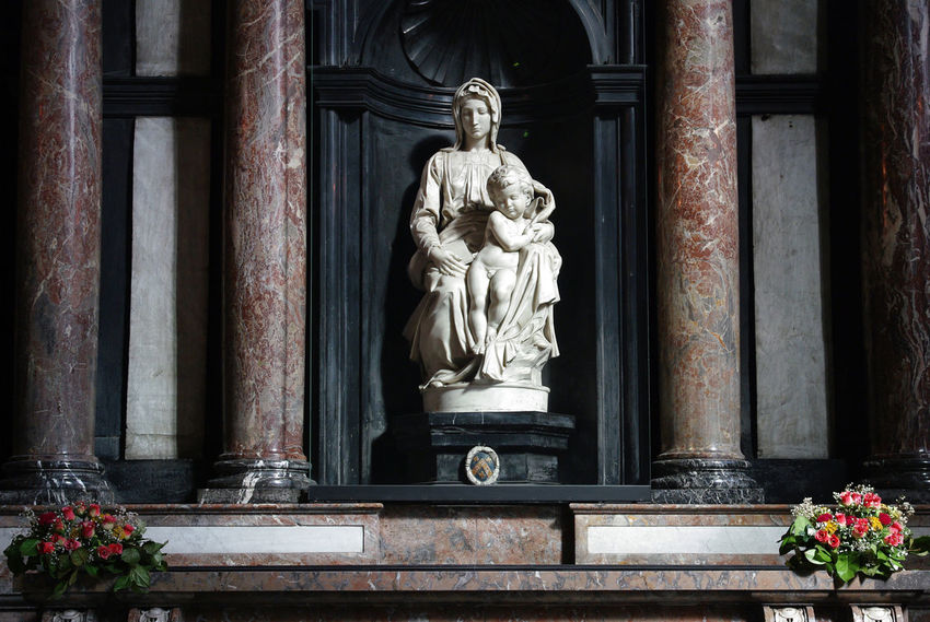Belgium Carrara Catholic Christian Madonna Maria Michelangelo Renaissance Art Art And Craft Bruges Church Of Our Lady Classical Historic Historical Human Representation Jezus Madonna And Child Marble Religion Sculpture Statue