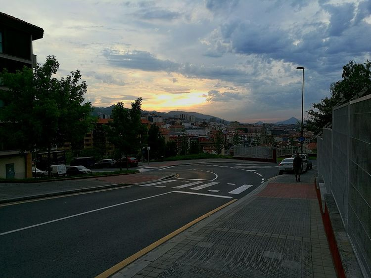 Sunset Road Tree Sky Basque Country Bilbao Back To Home After Work Walk To Home Thunderstorm Is Coming