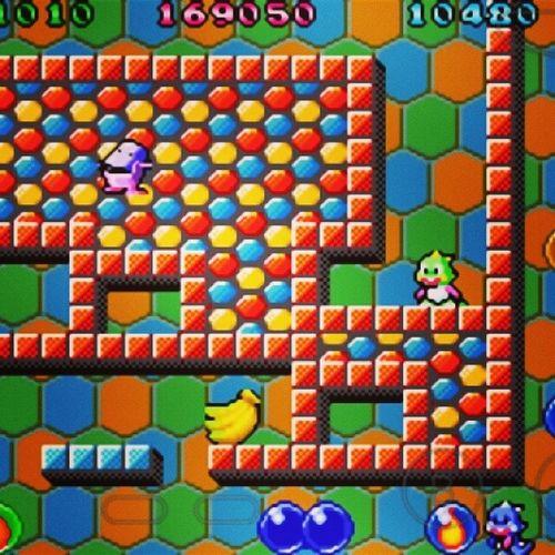 Teve mais jogatina Retro com o irmão @alessandrorocks !! BubbleBubble GBA Link 🎮