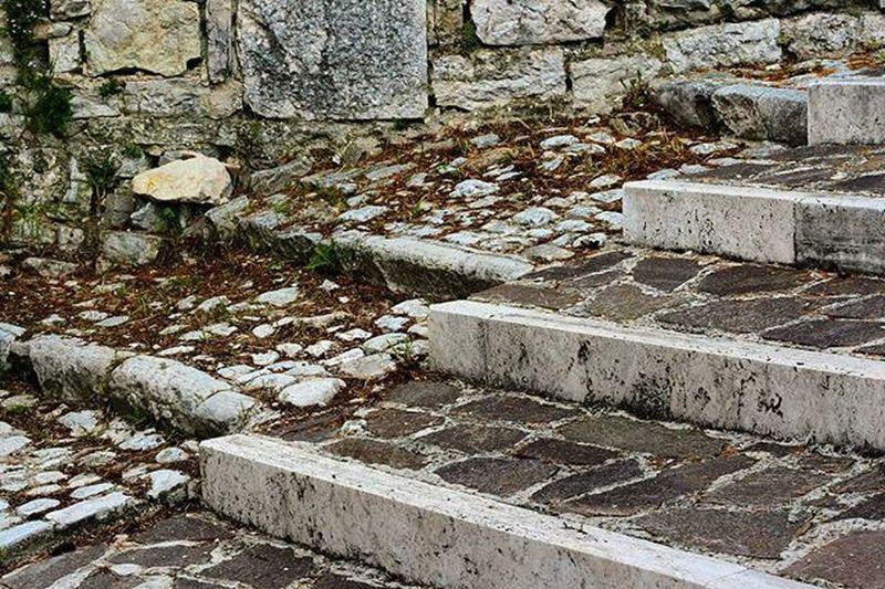 LongoAphoto Vivoabruzzo Abruzzo Rosello Loves_abruzzo Loves_united_abruzzo Photooftheday Photosmartphone Vecchioenuovo